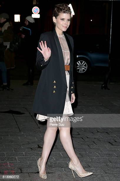 Kate Mara arrives at the HM show as part of the Paris Fashion Week Womenswear Fall/Winter 2016/2017 on March 2 2016 in Paris France