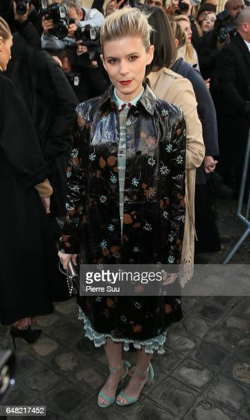 Kate Mara arrives at the Valentino show as part of the Paris Fashion Week Womenswear Fall/Winter 2017/2018 on March 5 2017 in Paris France