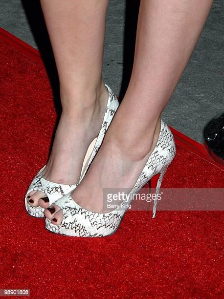 Kate Mara's shoes
