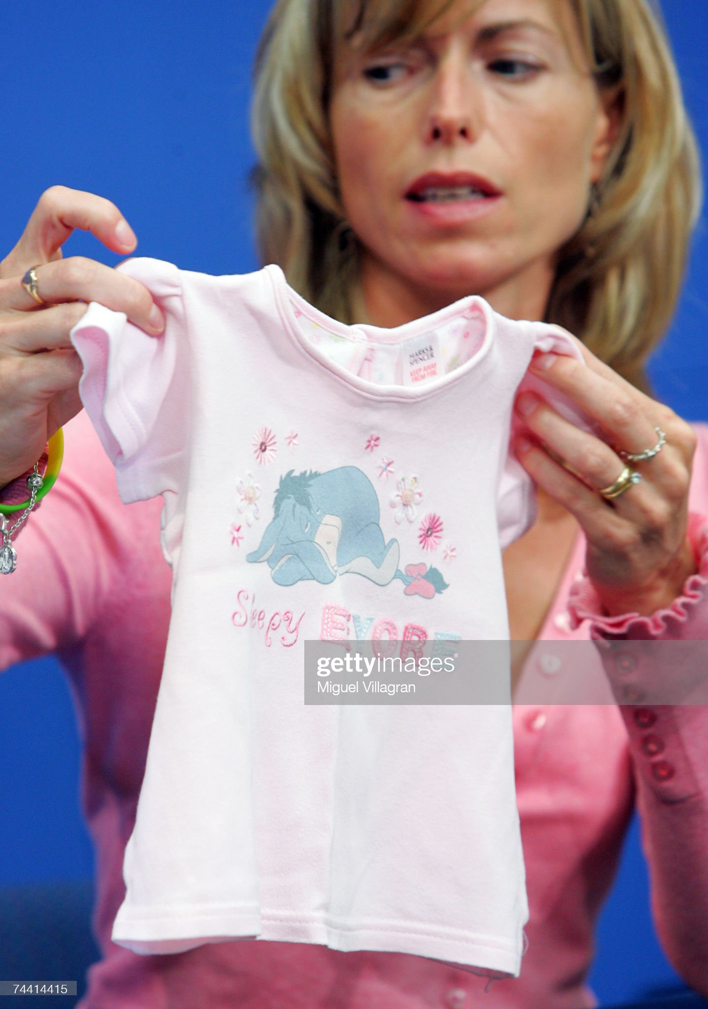 Dr Martin Roberts - 'A Nightwear Job' - Page 15 Kate-mccann-the-mother-of-the-missing-4yearold-british-girl-madeleine-picture-id74414415?s=2048x2048