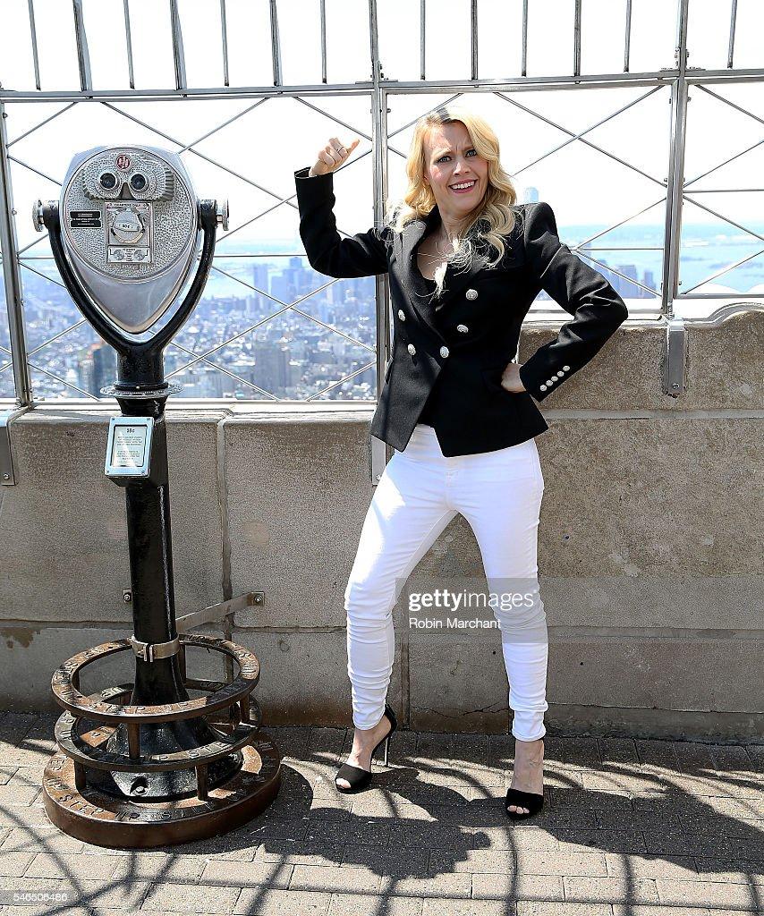 Melissa McCarthy, Kristen Wiig, Kate McKinnon and Leslie Jones Visit The Empire State Building