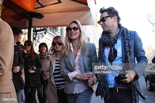 Kate Moss and Jamie Hince arrive at the Brasserie 'LIPP' to celebrate her birthday on January 16, 2011 in Paris, France.