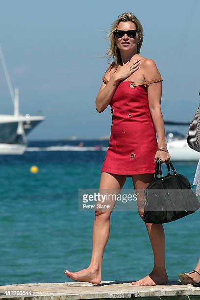 Kate Moss arrives at the Club 55 Restaurant on August 04 2009 in SaintTropez France