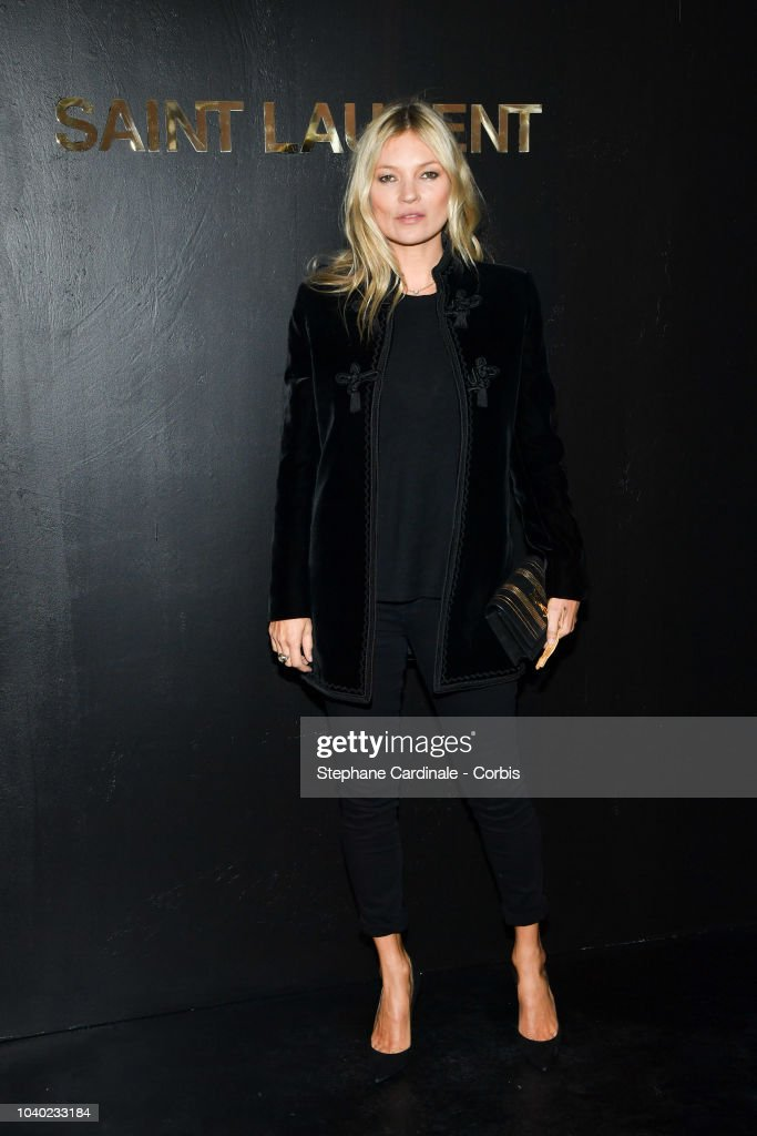 Saint Laurent : Photocall - Paris Fashion Week Womenswear Spring/Summer 2019 : News Photo