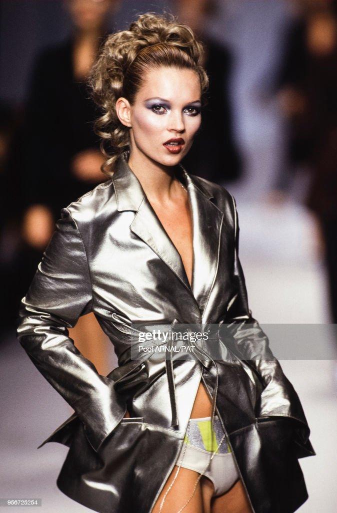 Défilé Lagerfeld, Prêt-à-porter Printemps-été 1996 : Photo d'actualité