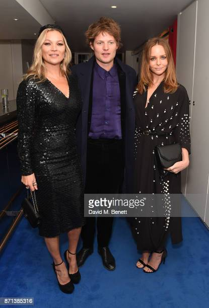 Kate Moss Count Nikolai von Bismarck and Stella McCartney attends a dinner hosted by Jonathan Newhouse and Albert Read for Edward Enninful to...