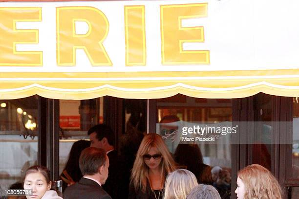 Kate Moss leaves the Brasserie 'LIPP' in Saint Germain des Pres on January 15, 2011 in Paris, France.