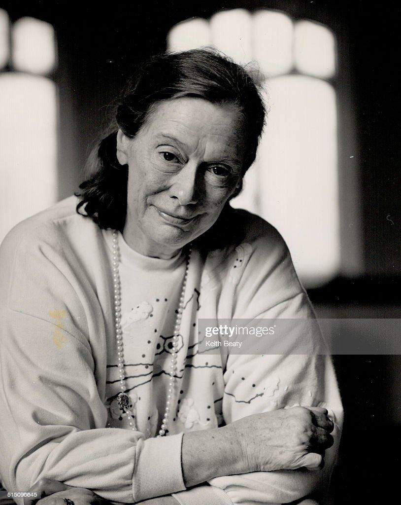 Elsa Lanchester,Margaret Livingston Hot images Carmen du Sautoy,Olunike Adeliyi