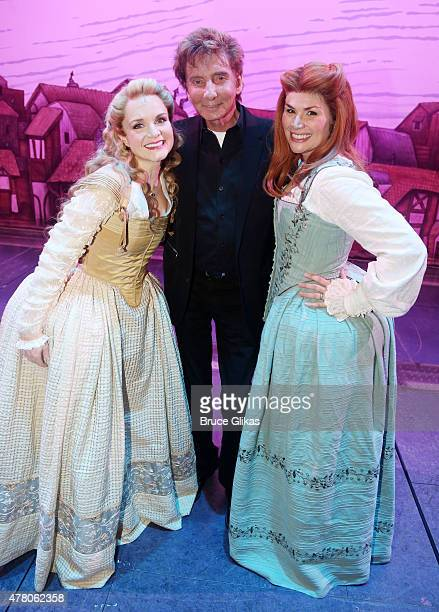 Kate Reinders Barry Manilow and Heidi Blickenstaff pose backstage at the hit musical Something Rotten on Broadway at The St James Theater June 21...