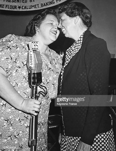 Kate Smith At Eleanor Roosevelt Chatting With American Singer In New York On June 1939