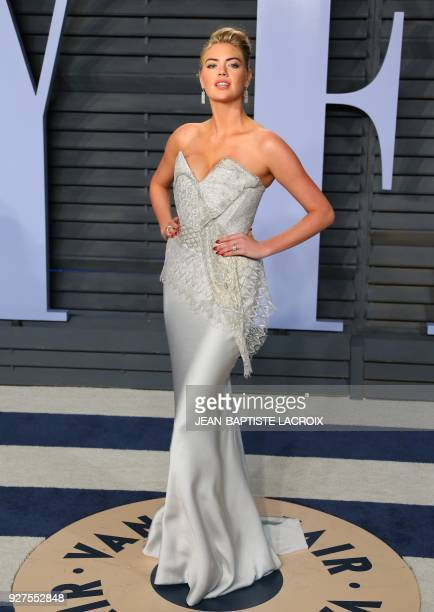 Kate Upton attends the 2018 Vanity Fair Oscar Party following the 90th Academy Awards at The Wallis Annenberg Center for the Performing Arts in...