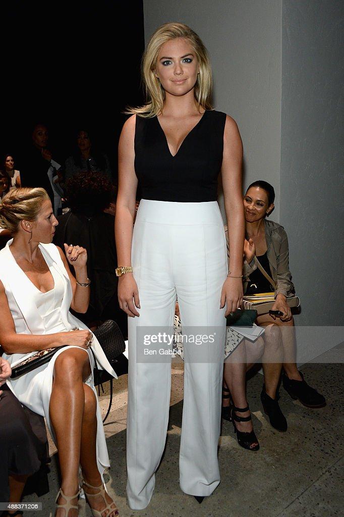 Narciso Rodriguez - Front Row - Spring 2016 New York Fashion Week : News Photo
