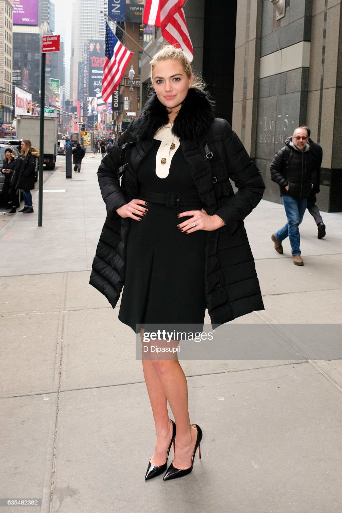 Kate Upton visits 'Extra' in Times Square on February 15, 2017 in New York City.