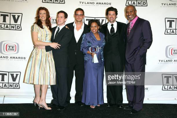 Kate Walsh TR Knight Justin Chambers Chandra Wilson Patrick Dempsey and James Pickens Jr winners of the Future Classic Award for Grey's Anatomy