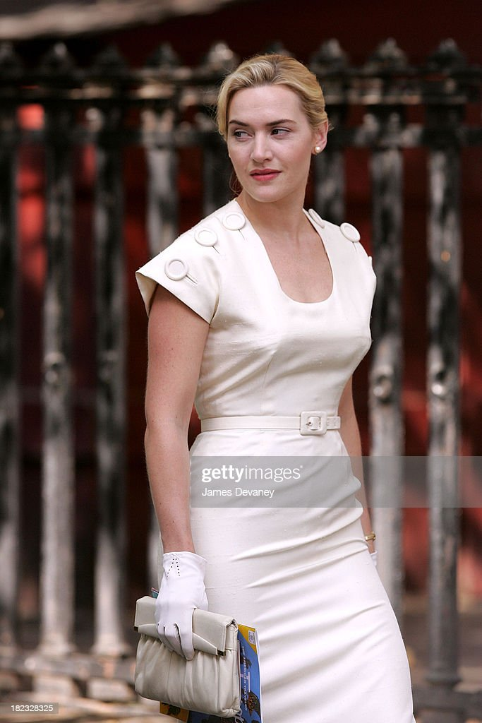 Kate Winslet during Kate Winslet On Set of Revolutionary Road - May 30, 2007 at Streets of Manhattan in New York, New York, United States.