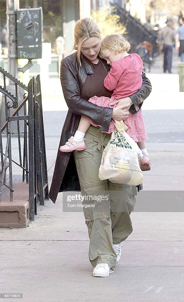 Kate Winslet Sighting - March 27, 2004 : News Photo