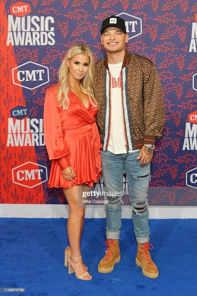 2019 CMT Music Awards - Arrivals : Nachrichtenfoto