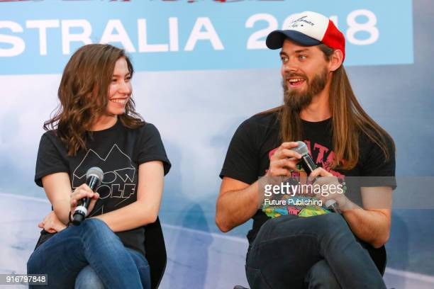 MELBOURNE AUSTRALIA FEBRUARY Katelyn Nacon and Tom Payne have fun during a panel session at Walker Stalker Con Melbourne 2018PHOTOGRAPH BY Chris...