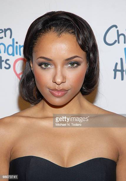 Katerina Graham attends the Children Mending Hearts Please Mr President workshop at the Prince George Ballroom on November 15 2009 in New York City