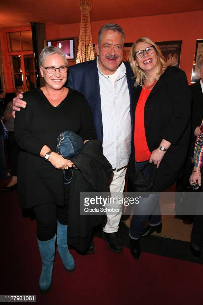 """Katerina Jacob, Joseph Hannesschlaeger and his wife Bettina Geyer during the premiere of the theatre play """"Noch einmal verliebt"""" at Komoedie im..."""
