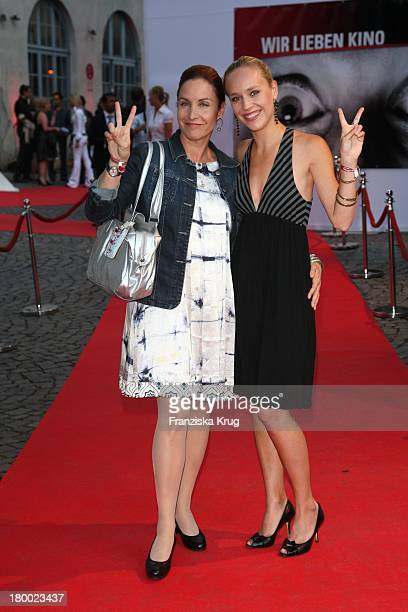 """Katerina Jacob Und Tochter Josephine Bei """"Wir Lieben Kino - Director'S Cut"""" Party Auf Der Praterinsel In München Am 210608 ."""