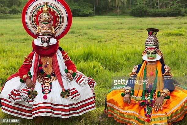 kathakali dancers performing, kerala, southern india - hugh sitton india stock pictures, royalty-free photos & images