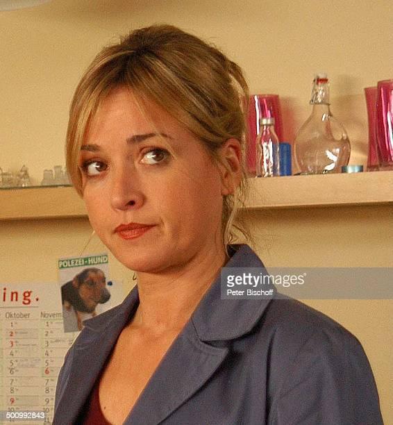"""Katharina Abt, ZDF-Krimi-Serie """"SOKO 5113"""", Folge 352 """" Mord verjährt nicht"""", München, Deutschland, , P.-Nr. 256/2006, Schauspielerin, Promi NB;..."""
