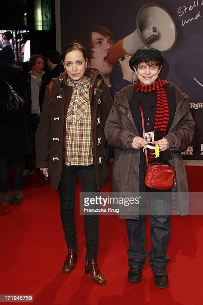 Katharina Und Anna Thalbach Bei Der Premiere Des Films Jonas In Berlin