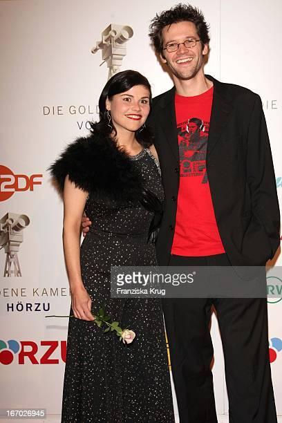 Katharina Wackernagel Und Jonas Grosch Bei Der Verleihung Der Goldenen Kamera In Berlin Am 060208