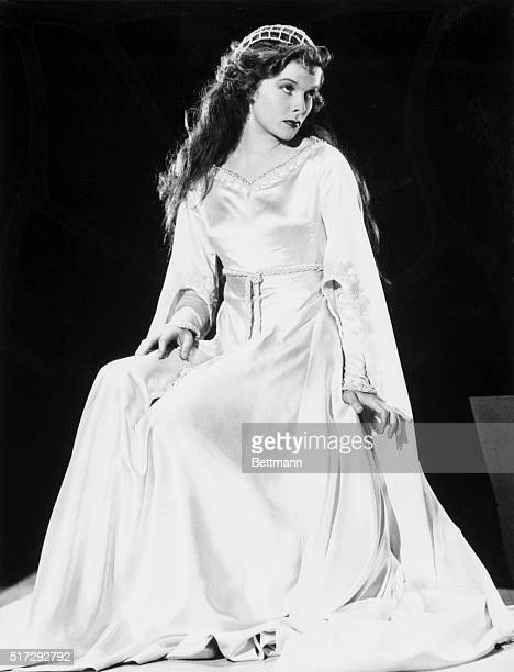 Katharine Hepburn portrays William Shakespeare's Juliet in the 1933 film Morning Glory Hepburn was awarded an Academy Award for the film