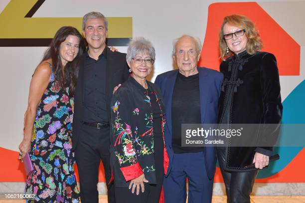 Katharine Ross Michael Govan Berta Gehry Frank Gehry and Ann Philbin attend the Hammer Museum 16th Annual Gala in the Garden with generous support...