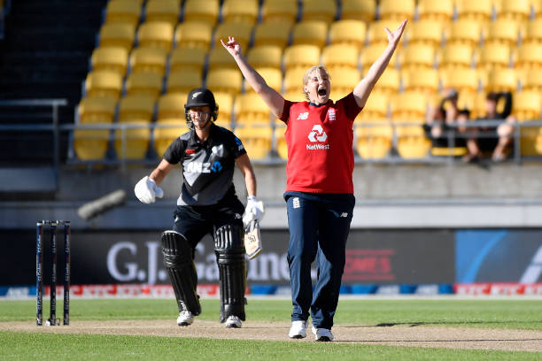 NZL: New Zealand v England - T20 Game 3