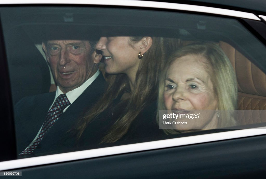Royal Family Attend Christmas Lunch At Buckingham Palace : Fotografia de notícias