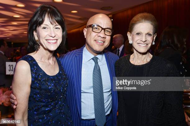 Katherine Farley Darren Walker and Annette de la Renta attend Lincoln Center's American Songbook Gala at Alice Tully Hall on May 29 2018 in New York...