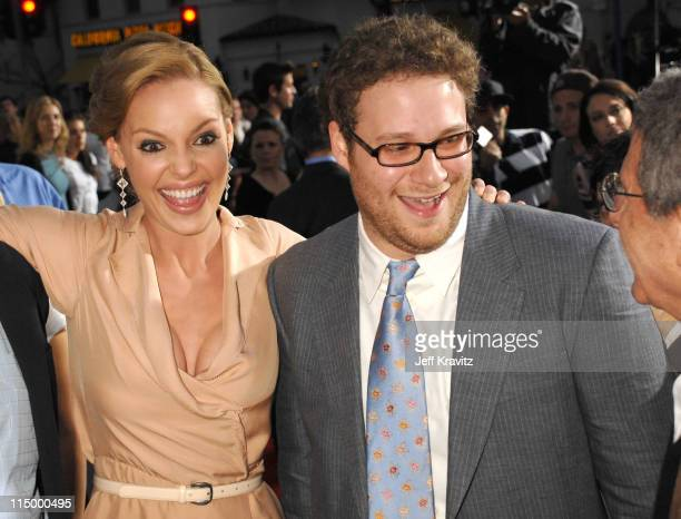 "Katherine Heigl and Seth Rogen during ""Knocked Up"" Los Angeles Premiere - Red Carpet at Mann's Village Theater in Westwood, California, United States."