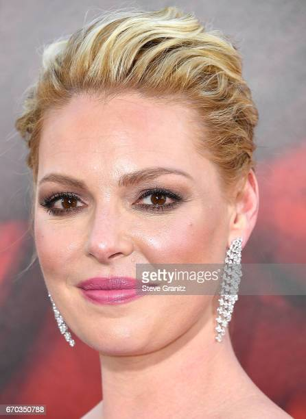 """Katherine Heigl arrives at the Premiere Of Warner Bros. Pictures' """"Unforgettable"""" at TCL Chinese Theatre on April 18, 2017 in Hollywood, California."""