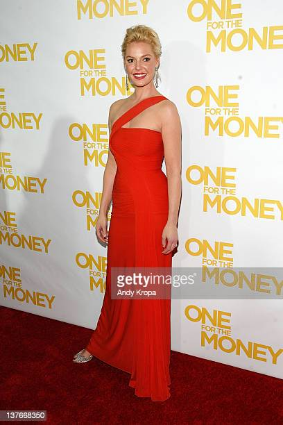 """Katherine Heigl attends the """"One for the Money"""" premiere at the AMC Loews Lincoln Square on January 24, 2012 in New York City."""