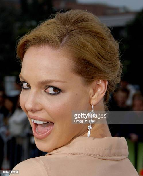 Katherine Heigl during Knocked Up Los Angeles Premiere Arrivals at Mann Village Theatre in Westwood California United States