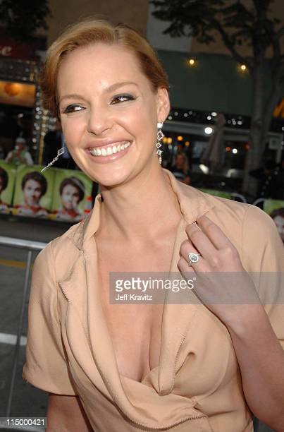 Katherine Heigl during 'Knocked Up' Los Angeles Premiere Red Carpet at Mann's Village Theater in Westwood California United States