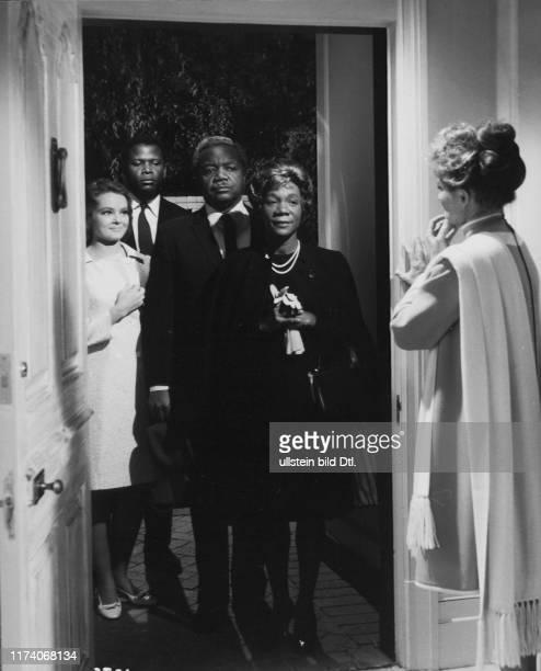 Katherine Houghton Sidney Poitier Roy E Glenn Beah Richards Katharine Hepburn in Guess Who's Coming to Dinner 1967