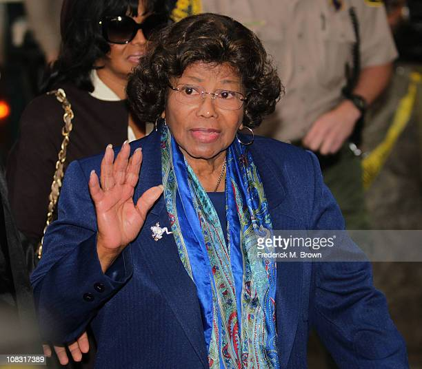Katherine Jackson enters the Los Angeles County courthouse for the arraignment of Dr Conrad Murray on January 25 2011 in Los Angeles California Dr...