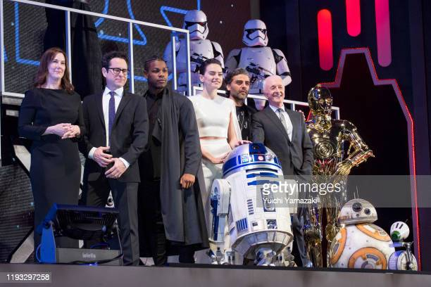 Katherine Kennedy, J.J. Abrams, John Boyega, Daisy Ridley, Oscar Isaac and Anthony Daniels with Star Wars characters Stormtrooper, R2-D2, C-3PO, BB-8...