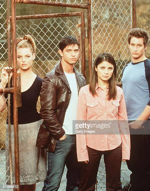 Katherine Meigl Jason Behr Shiri Appleby And Brendan Fehr Star In The Tv Series Roswell