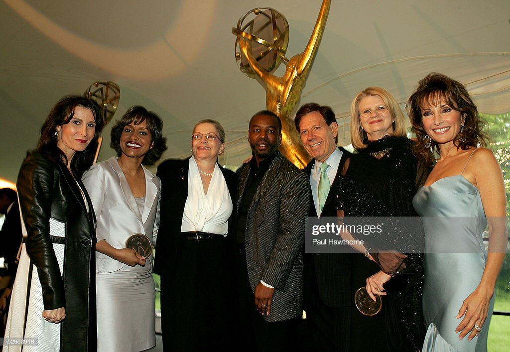 New York City Hosts Reception In Honor Of The 32nd Annual Daytime Emmy's : News Photo