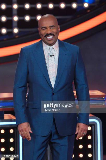 """Kathie Lee Gifford vs. Ricki Lake and 2 Chainz vs. Big Boi"""" - """"Celebrity Family Feud"""" is B-A-C-K with a big funny faceoff between two legendary..."""