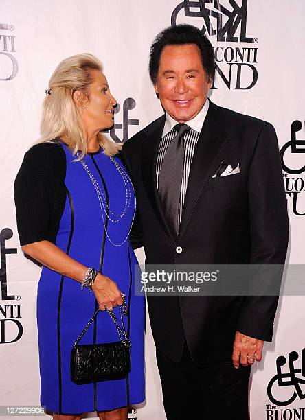 Kathleen McCrone and Singer Wayne Newton attends the 26th Annual Great Sports Legends Dinner to benefit the Buoniconti Fund To Cure Paralysis at The...