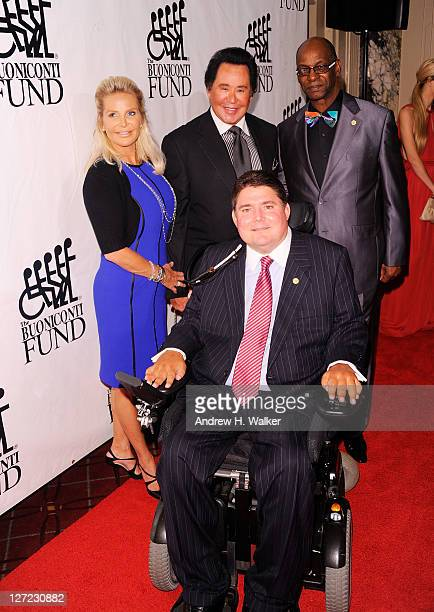 Kathleen McCrone Wayne Newton Marc Buoniconti and Bob Beamon attend the 26th Annual Great Sports Legends Dinner to benefit the Buoniconti Fund To...