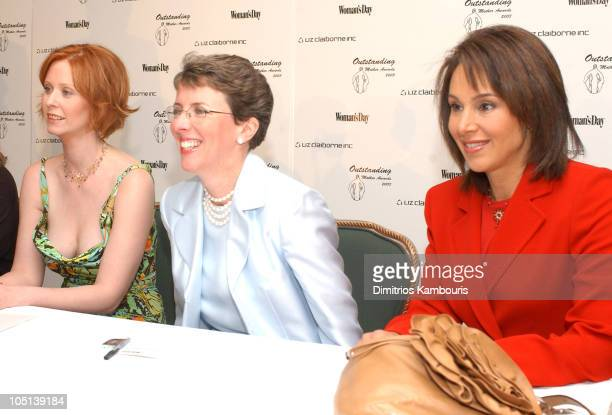 Kathleen Turner Cynthia Nixon Darlene Daggett and Rosanna Scotto