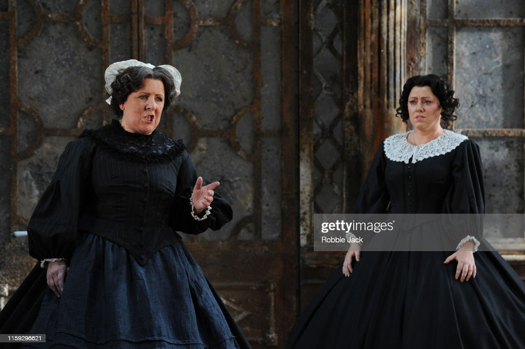 """The Turn Of The Screw"" At Garsington Opera House : Foto jornalística"