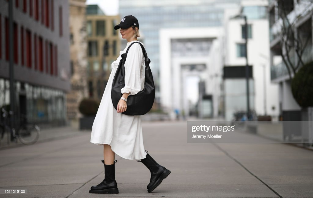 Street Style - Cologne - March 7, 2020 : News Photo